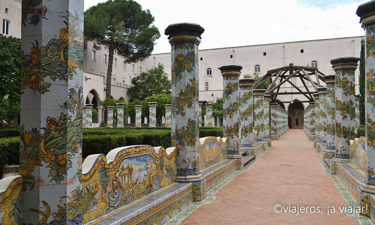 sur-italia-claustro-sta-chiara
