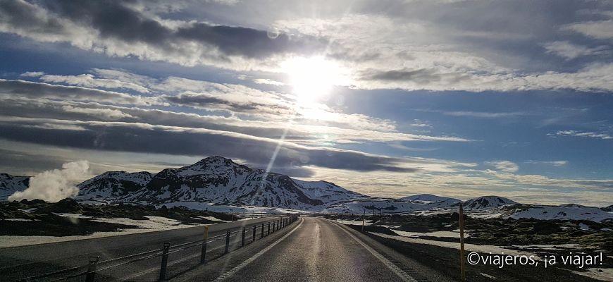Conducir. Islandia carretera 1 cerca de Reikiavik