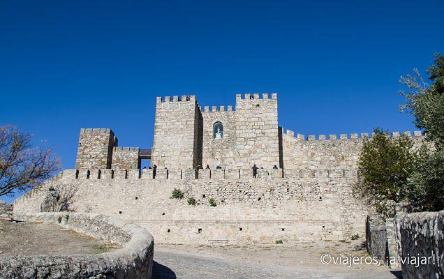 TRUJILLO. Castillo árabe