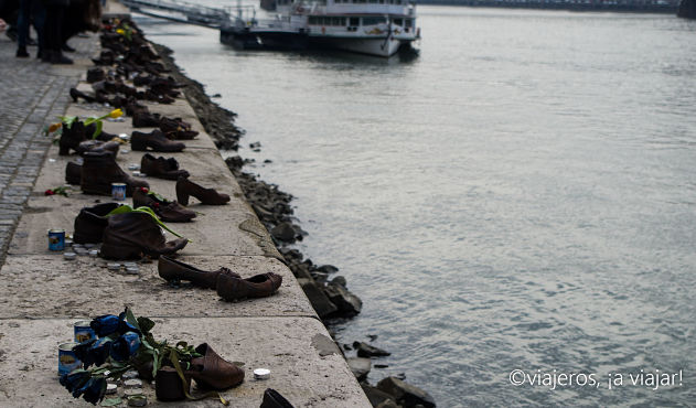 BUDAPEST. Monumento de los zapatos