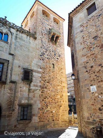 Cáceres. Palacio de los Golfines de abajo